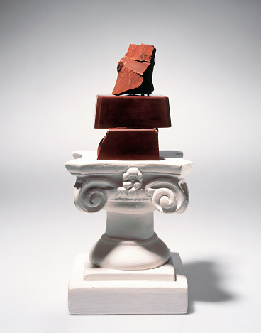 Sculpture「Chocolate Chunks on Pedestal」:スマホ壁紙(13)