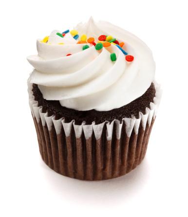 チョコレート「チョコレートのカップケーキ、フロスティングを白背景」:スマホ壁紙(15)