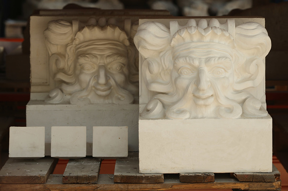 Facade「Artisans Prepare Elements Of New Berliner Schloss」:写真・画像(9)[壁紙.com]
