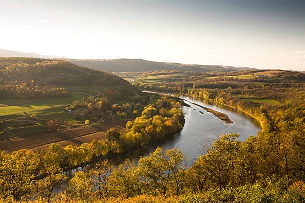 Pennsylvania valley in autumn:スマホ壁紙(壁紙.com)