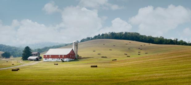 Harvesting「Pennsylvania, Bedford County, Farm in countryside」:スマホ壁紙(9)