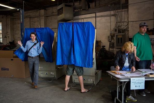 Politics and Government「Citizens In Five States Vote In Primary Elections」:写真・画像(3)[壁紙.com]