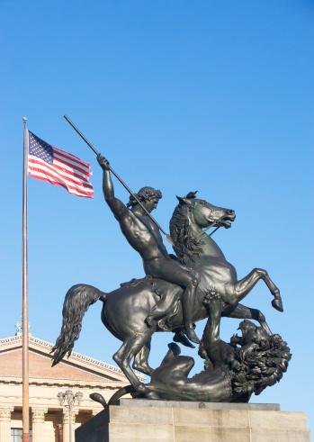 Pennsylvania「USA, Pennsylvania, Philadelphia, low angle view at statue in front of Philadelphia Museum Of Art」:スマホ壁紙(15)