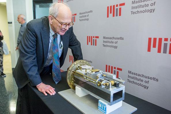 Invention「MIT Prof. Rainer Weiss Shares Nobel Prize In Physics For LIGO Detector Work」:写真・画像(10)[壁紙.com]