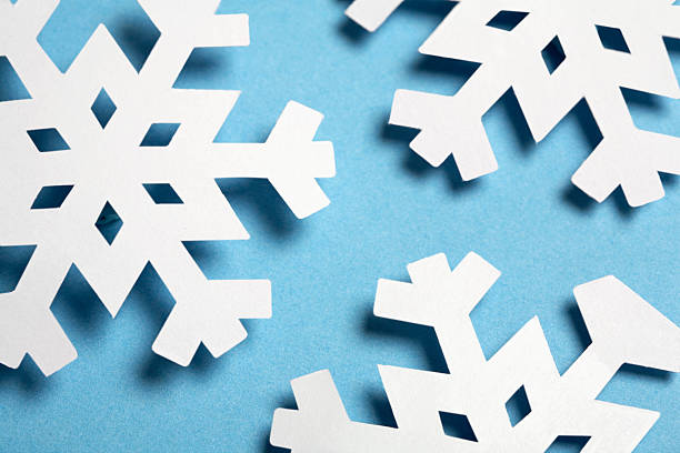 Paper Snowflakes on Blue Background:スマホ壁紙(壁紙.com)