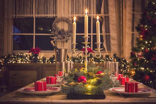 Place Setting「Elegant Christmas Dining Table」:スマホ壁紙(3)