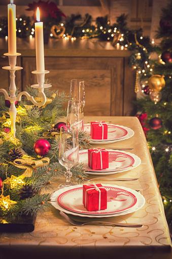 Place Setting「Elegant Christmas Dining Table」:スマホ壁紙(13)