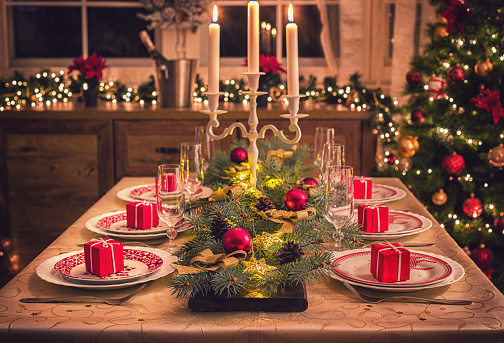 Candle「Elegant Christmas Dining Table」:スマホ壁紙(0)