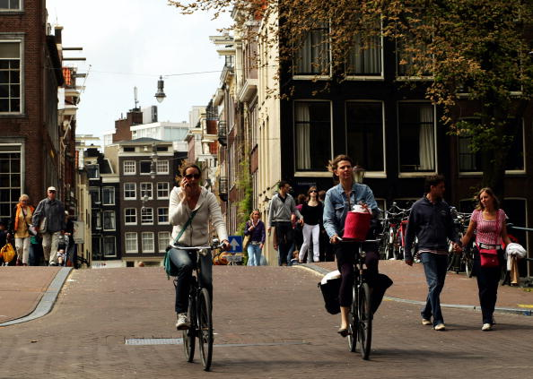 Cycling「Amsterdam, Bicycle City」:写真・画像(9)[壁紙.com]