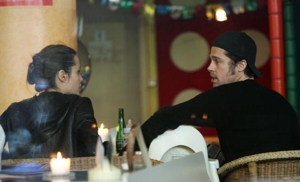 Candid「Angelina Jolie And Brad Pitt In Berlin」:写真・画像(2)[壁紙.com]