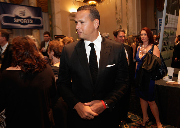 2010-2019「29th Annual Great Sports Legends Dinner To Benefit The Buoniconti Fund To Cure Paralysis - Legends Reception」:写真・画像(19)[壁紙.com]