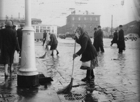 Sweeping「Leningrad Street-Sweeper」:写真・画像(15)[壁紙.com]
