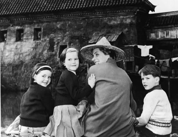 Mrs. Roberto Rossellini & Family:ニュース(壁紙.com)