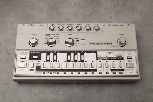 Bass Guitar「Roland TB-303 bass-line synthesizer」:スマホ壁紙(15)