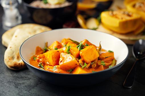 Naan Bread「Healthy butternut squash and beans curry」:スマホ壁紙(15)