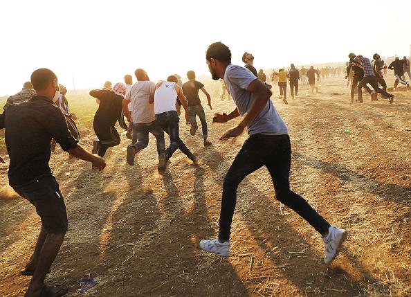 Gaza Strip「Funerals Held For Nearly 60 Palestinians Killed In Violence On Israeli Border」:写真・画像(6)[壁紙.com]