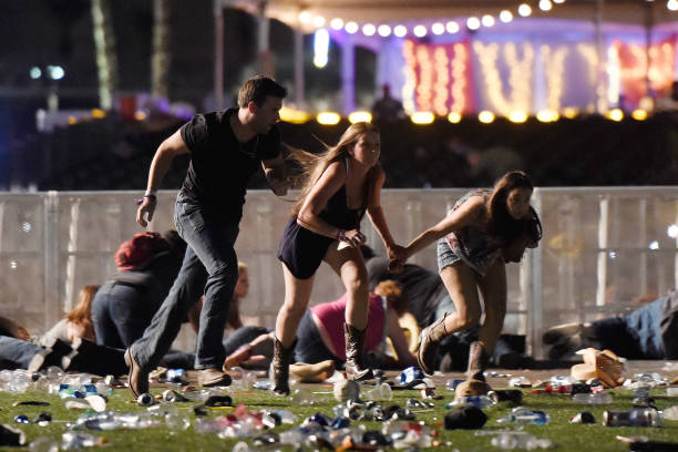 USA「Reported Shooting At Mandalay Bay In Las Vegas」:写真・画像(19)[壁紙.com]