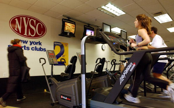 Gym「New Year's Resolutions Send Thousands To The Gym」:写真・画像(0)[壁紙.com]