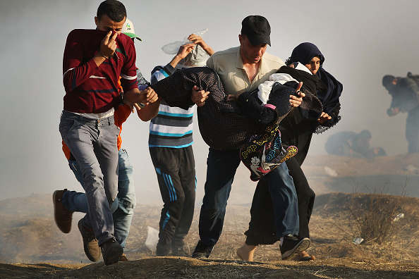 Gaza Strip「Funerals Held For Nearly 60 Palestinians Killed In Violence On Israeli Border」:写真・画像(9)[壁紙.com]