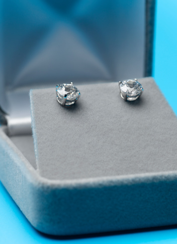 Earring「Two jeweled ear studs in display box, close-up」:スマホ壁紙(5)
