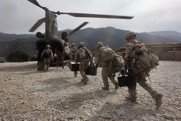 USA「U.S. And Afghan Forces Battle Taliban In Kunar Province」:写真・画像(1)[壁紙.com]