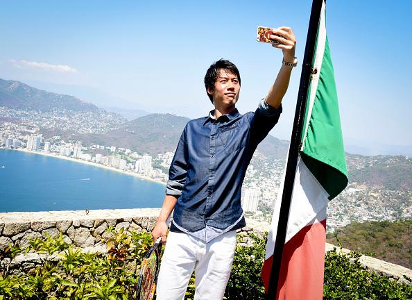 Kei Nishikori「Tennis Pro Kei Nishikori Enjoying Some Down Time In Acapulco, Mexico」:写真・画像(18)[壁紙.com]