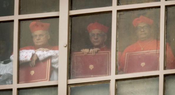 Royal Palace of Laeken「A New Pope Is Elected In The Vatican」:写真・画像(6)[壁紙.com]
