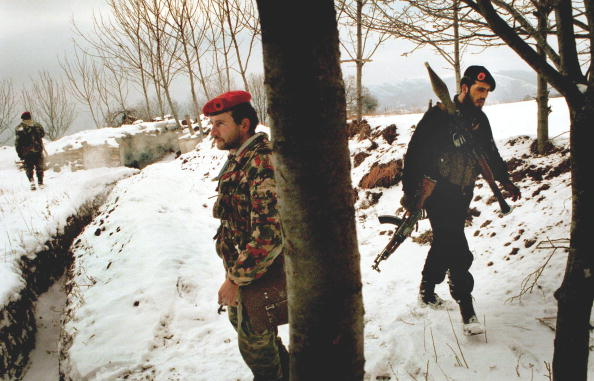 Sand Trap「Albanian and Serb Rebels Continue to Fight in Yugosalvia」:写真・画像(1)[壁紙.com]