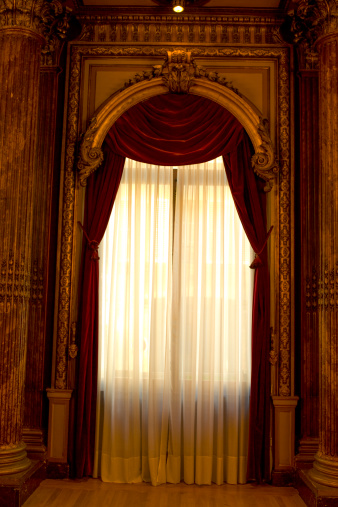 Ballroom「Red curtains.」:スマホ壁紙(13)