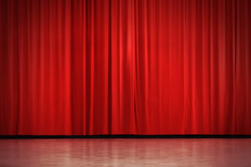 Closed「Red curtain」:スマホ壁紙(15)