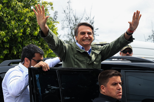 Jair Bolsonaro「Brazilian Presidential Candidate Jair Bolsonaro Votes In Country's Election」:写真・画像(13)[壁紙.com]