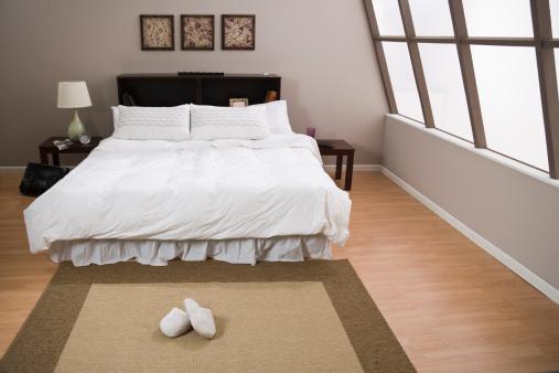 Lamp Shade「Empty bedroom」:スマホ壁紙(14)