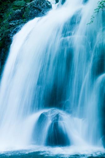 Spraying「Waterfalls」:スマホ壁紙(19)