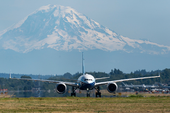 Mountain「Boeing Delays 777X Jet As Pandemic Causes Drop In Demand」:写真・画像(12)[壁紙.com]