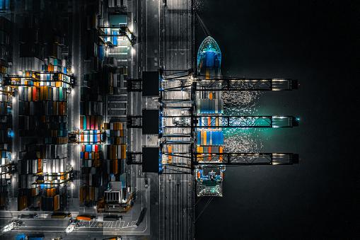 Pier「Kwai Tsing Container Terminals at night, Hong Kong」:スマホ壁紙(18)