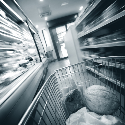 Supermarket「Shopping Cart Motion blurred」:スマホ壁紙(12)