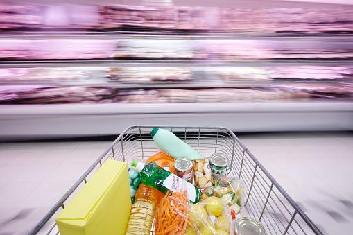 Aisle「Shopping cart racing past meat refrigerator」:スマホ壁紙(19)