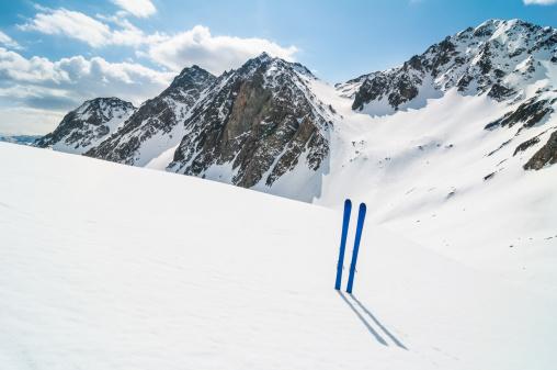 ラグラーブ「冬の山でのスキー風景」:スマホ壁紙(5)