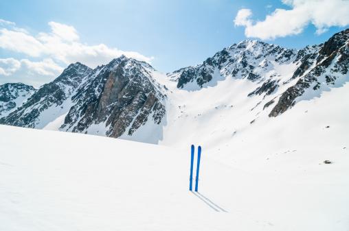 ラグラーブ「冬の山でのスキー風景」:スマホ壁紙(8)