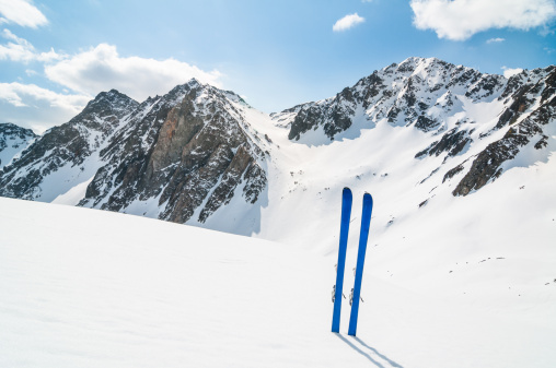 Back Country Skiing「Winter High Mountain Landscape with ski」:スマホ壁紙(10)