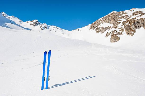 Winter High Mountain Landscape with ski:スマホ壁紙(壁紙.com)