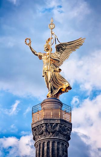 19th Century「Statue of Victoria, Siegessaule Tiergarten Berlin」:スマホ壁紙(14)
