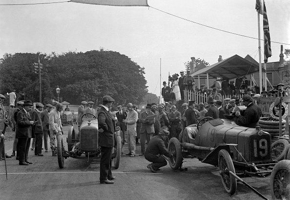 Auto Racing「Minerva and Straker-Squire cars at the RAC Isle of Man TT race, 10 June 1914」:写真・画像(4)[壁紙.com]