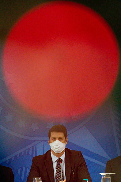 Andressa Anholete「President Jair Bolsonaro Sanctions New Legal Framework For Basic Sanitation Via Video conference Amidst Coronavirus Pandemic」:写真・画像(0)[壁紙.com]