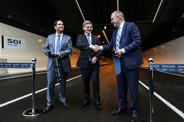Transport Minister「Aucklanders Celebrate Waterview Connection Tunnel Opening」:写真・画像(2)[壁紙.com]