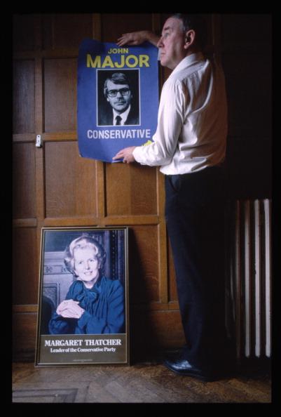 Replacement「John Major Succeeds Margaret Thatcher As Tory Leader」:写真・画像(16)[壁紙.com]