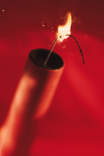 Firework - Explosive Material「Stick of dynamite lit」:スマホ壁紙(4)