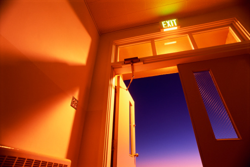 Ajar「Doorway with exit sign with dusk sky outside」:スマホ壁紙(14)