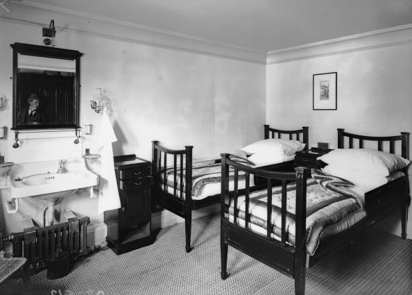 Bedroom「Sleeping In State」:写真・画像(18)[壁紙.com]