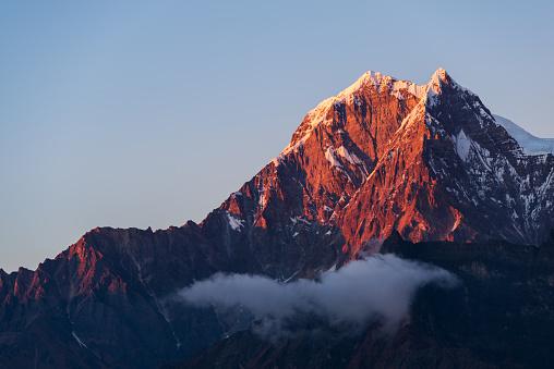 Himalayas「Nilgiri Himal sunset close-up」:スマホ壁紙(15)